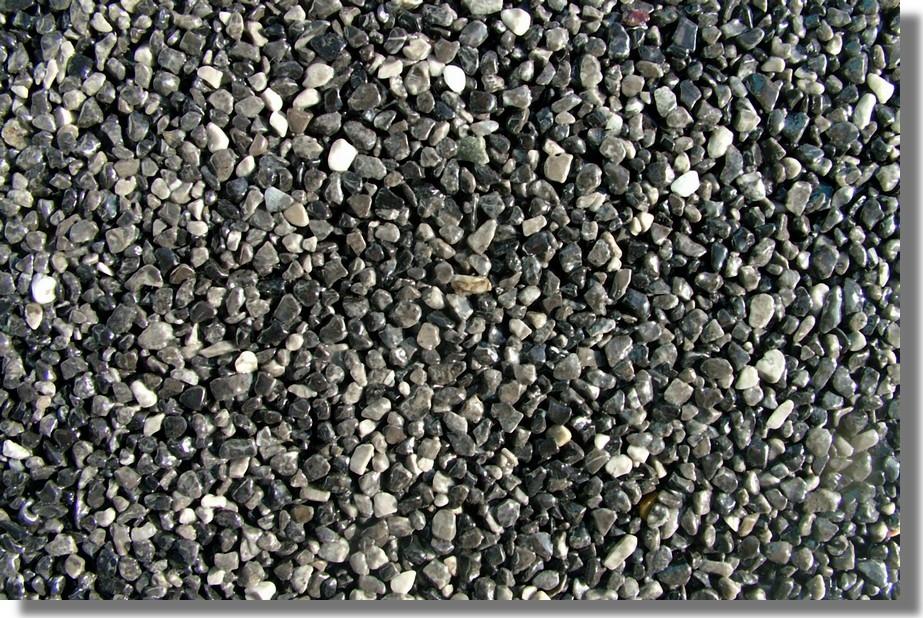 kamenný koberec šedé uhlie